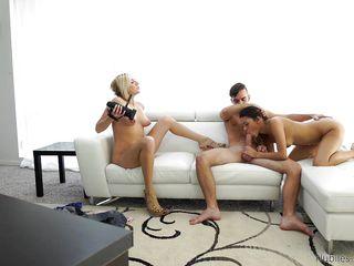 смотреть порно видео молодых брюнеток