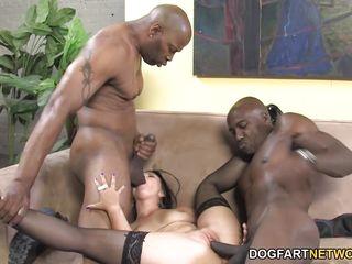 порно с зрелой женщиной групповуха