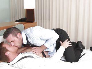 Бесплатные гей порно короткие ролики